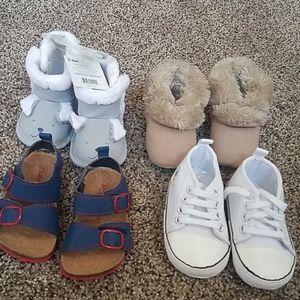 Bundle of 4 infant shoes